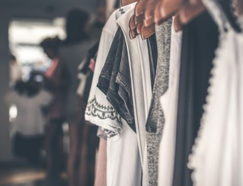 Kleidung spenden: Gutes tun beim Umzug